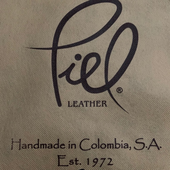 Handbags - Piel Leather Laptop Hobo (Charcoal)